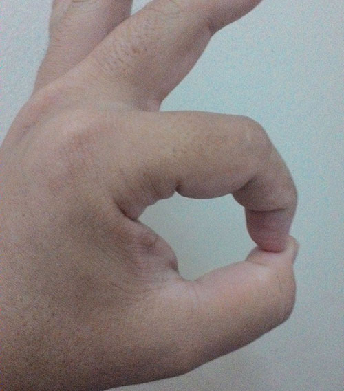 index and thumb fingers circle