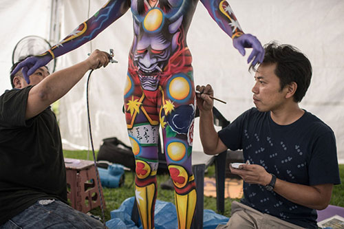 Captivating body painting festival in South Korea